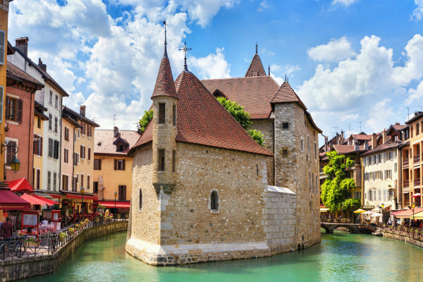 best-of-france-travel-annecy-canal